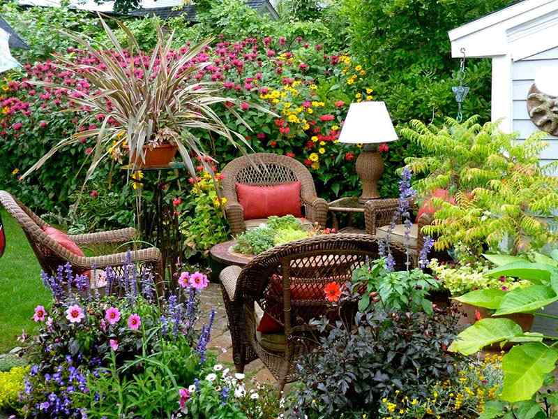 small-yard-flower-garden-ideas-20150414034239