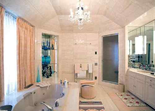 spacious-bathroom-designs