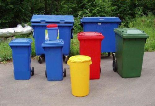 разные мусорные контейнеры