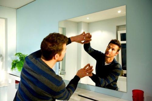 как вешать зеркало