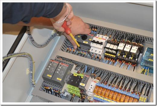 осуществление сборки шкафов автоматики и управления