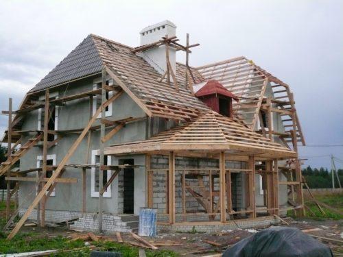 как построить дом с мансардой