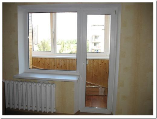 Пластиковые двери балконные